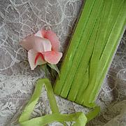 Delicious vintage French unused  narrow acid green silk ribbon on original card