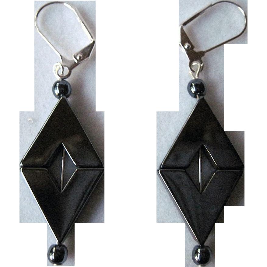 Pretty Diamond Shaped Gun Metal Grey Hemalyke Dangle Earrings