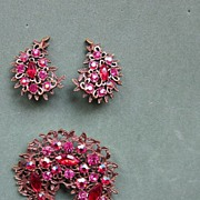 Red Emmons Brooch and Earrings Set