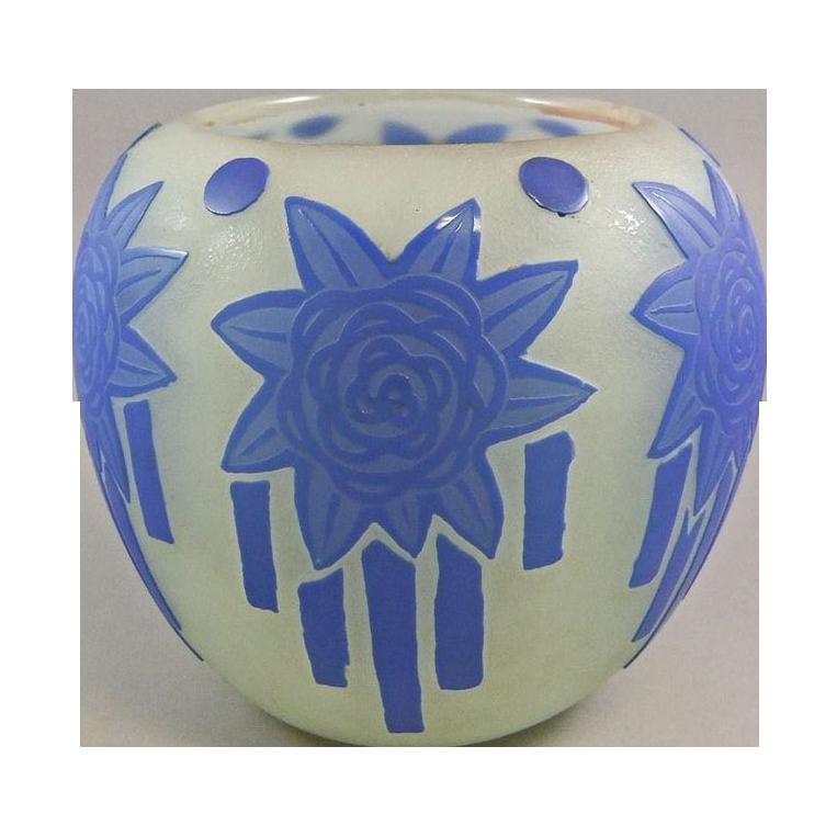 Steuben Cameo Vase 6078 with Sherwood Art Deco Acid Cut Back Decoration