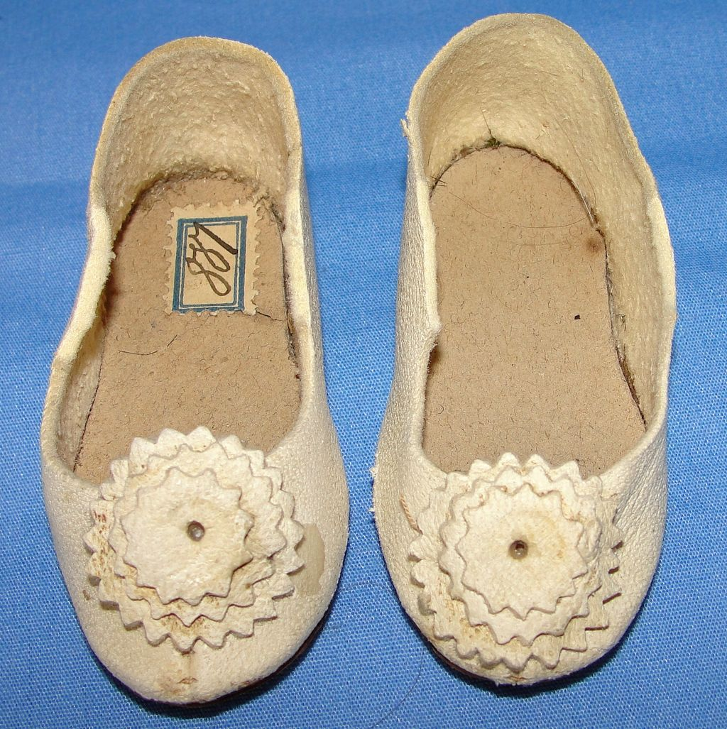 Fabulous Pair of Antique French Kid Leather Doll Shoes - Slipper style