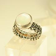 Vintage Modernist Design Sterling Silver Ring w/ Mother of Pearl