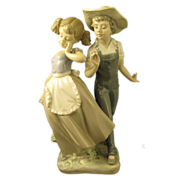 """Ratired Lladro Figure """"Love in Bloom"""" #5292 Mint Condition"""