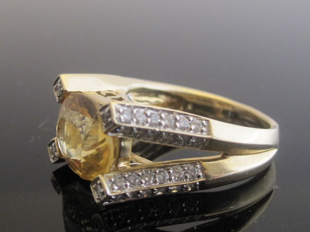 Splendid 14K Yellow Gold Citrine & 52 Diamonds Ring