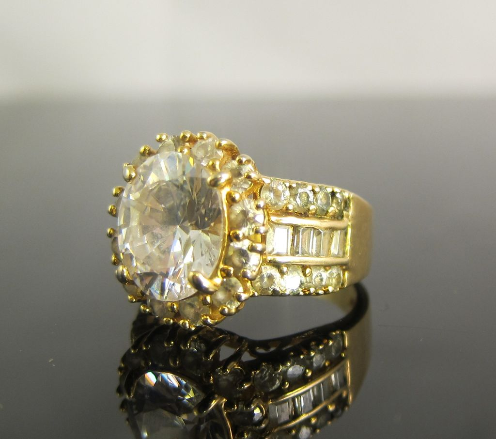 Vintage Sterling Silver Ring with Clear Stones