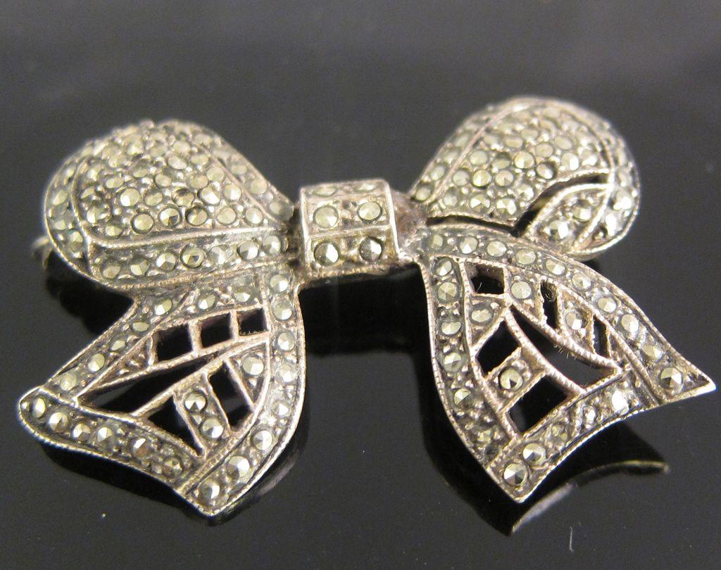 Vintage Sterling Silver & Marcasites Ribbon Pin Brooch