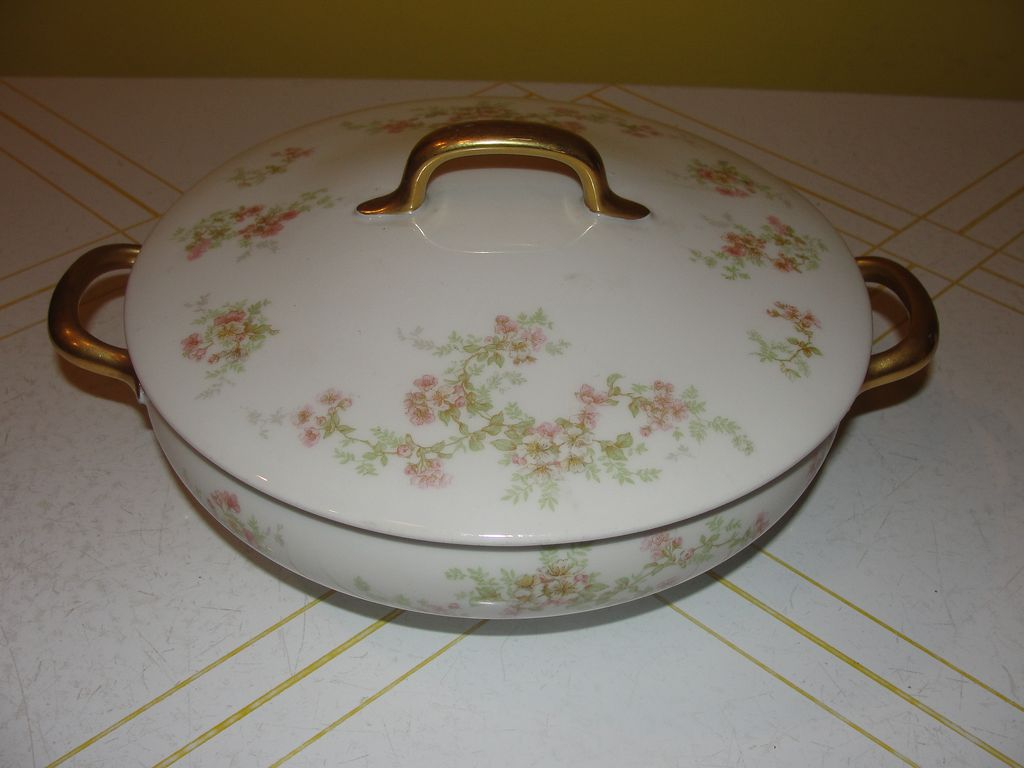 """Limoges """"Florale"""" Round Covered Vegetable Bowl - b24"""
