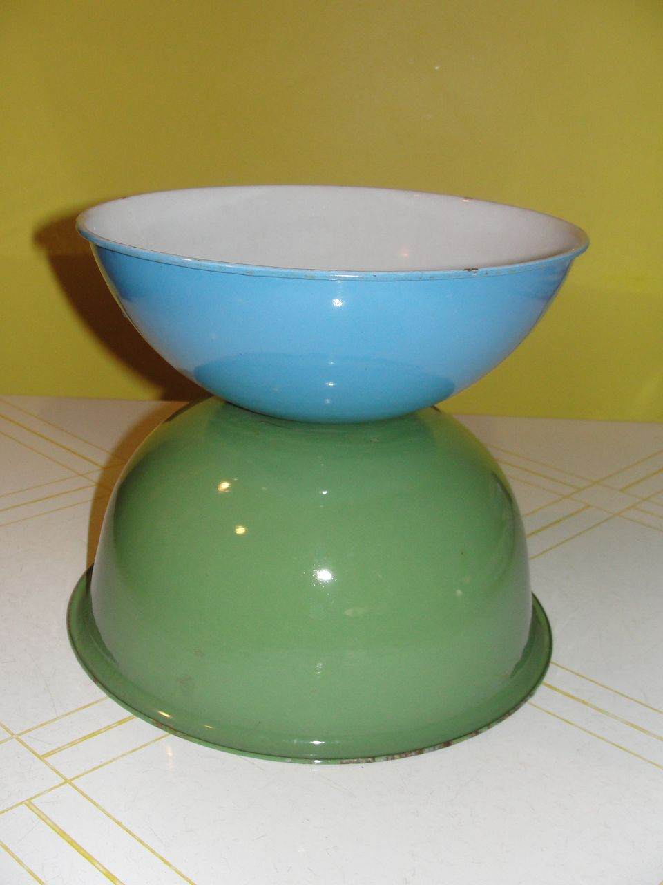 Green and Blue Enamelware Bowls - g