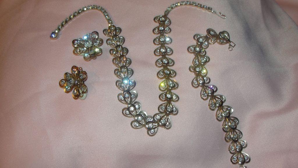 Fleur-de-lis Rhinestone necklace Bracelet and Clip-on Earrings - Free shipping
