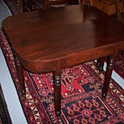 Ca. 1810 American Federal Sheraton Mahogany Dining Table