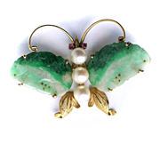 Vintage c1950 Yellow Gold Chinese Jade Cultured Pearl Ruby Butterfy Insect Brooch