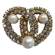 Sparkling Vintage Brooch with Faux Pearls