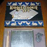 Childs Kiddies Cookie Set in Original Box 1930s Era Nice