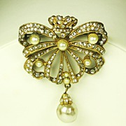 Hattie Carnegie Crowned Ribbon and Imitation Pearl Brooch