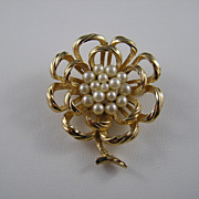 Vintage Crown Trifari Gold Tone & Faux Pearl Flower Brooch