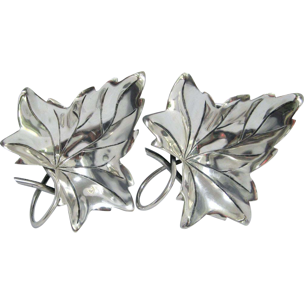 A Pair of Hector Aguilar Mexican Sterling Silver Leaf-Shaped Nut Dishes, circa 1940s