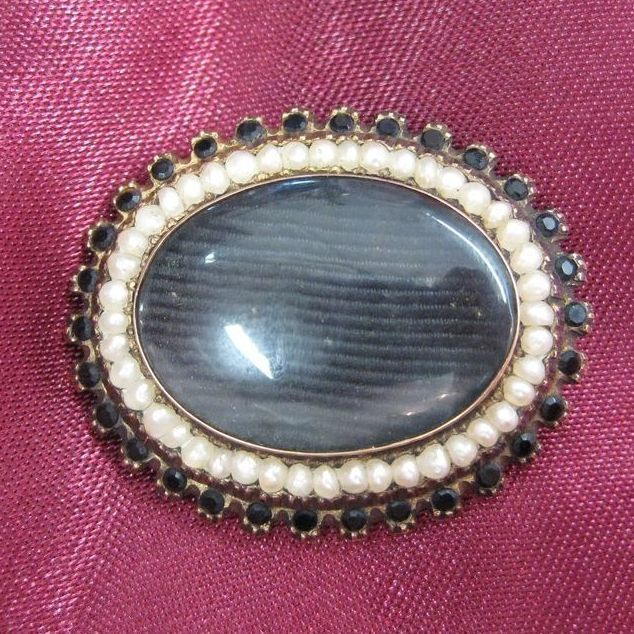 14K Gold Victorian Hair Brooch with Faceted Jet and Seed Pearls