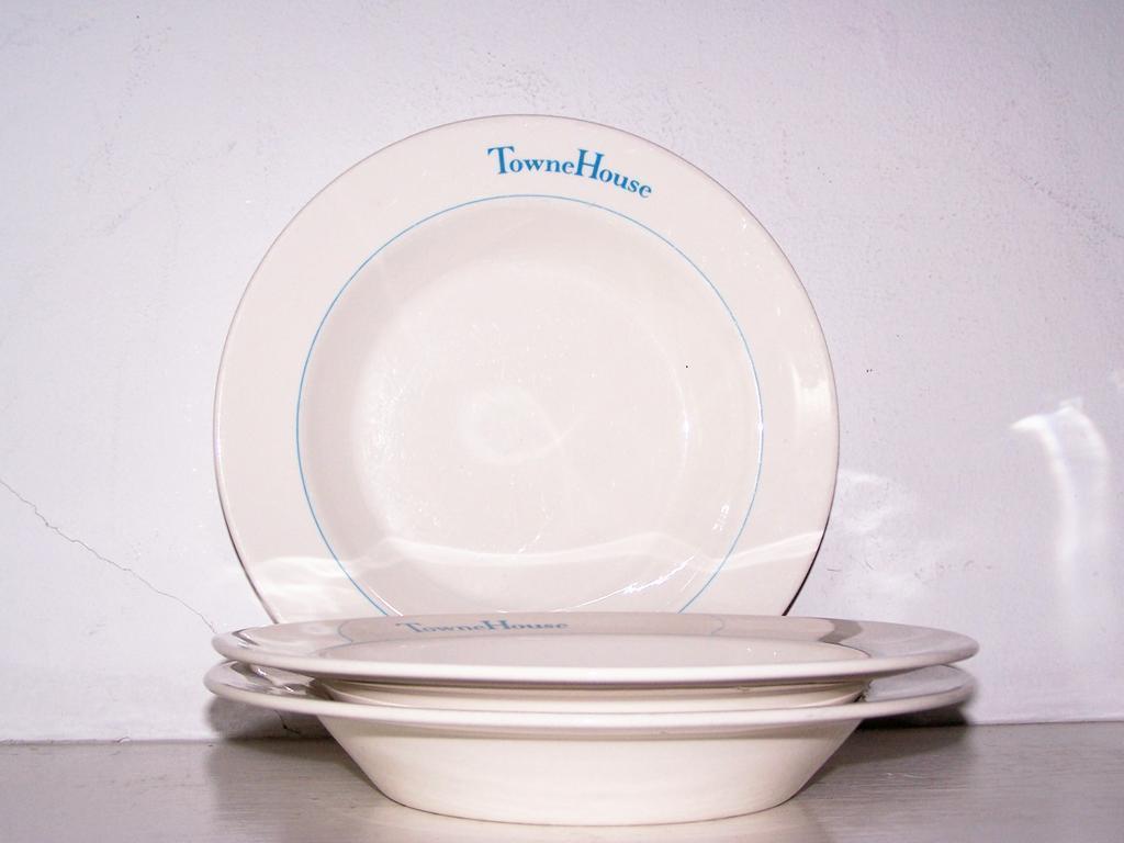 3 TowneHouse Soup Bowls Syracuse China Restaurant Ware