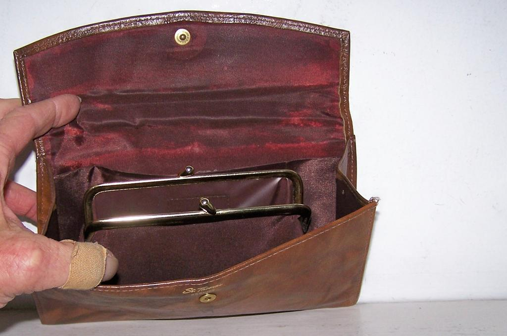 St.Thomas Leather Wallet/Clutch w' Coin Purse Unused
