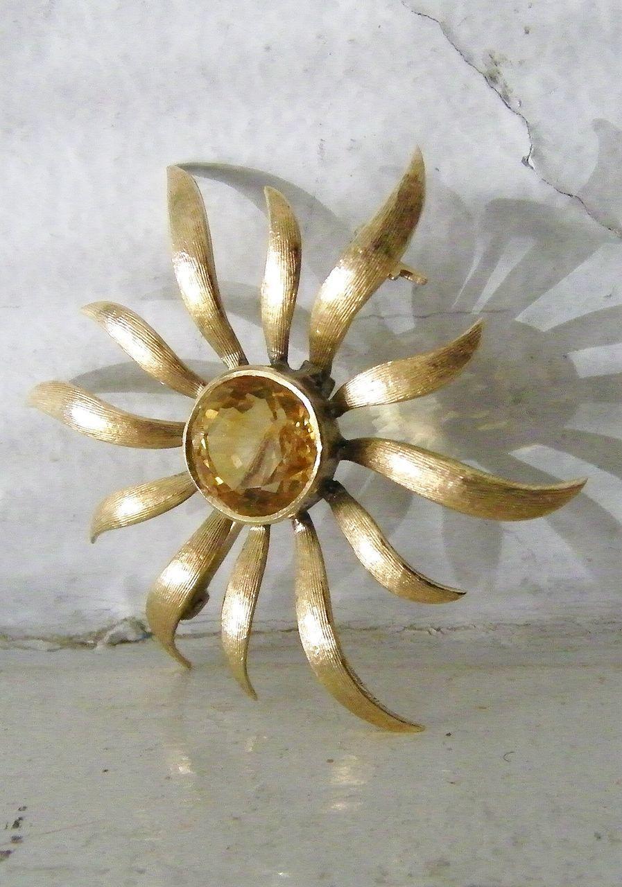 14K Gold Classic Citrine Sunburst Brooch 6 carat round gemstone