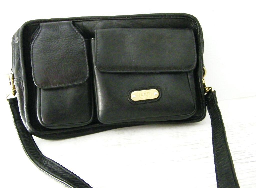 LAND black Columbian leather travel organizer purse