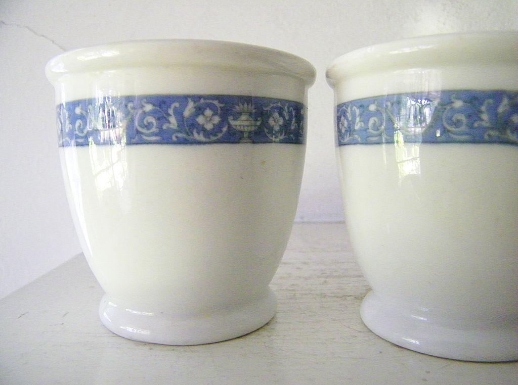 1938 Hendrick Hudson Hotel Custard Cups * Blue *