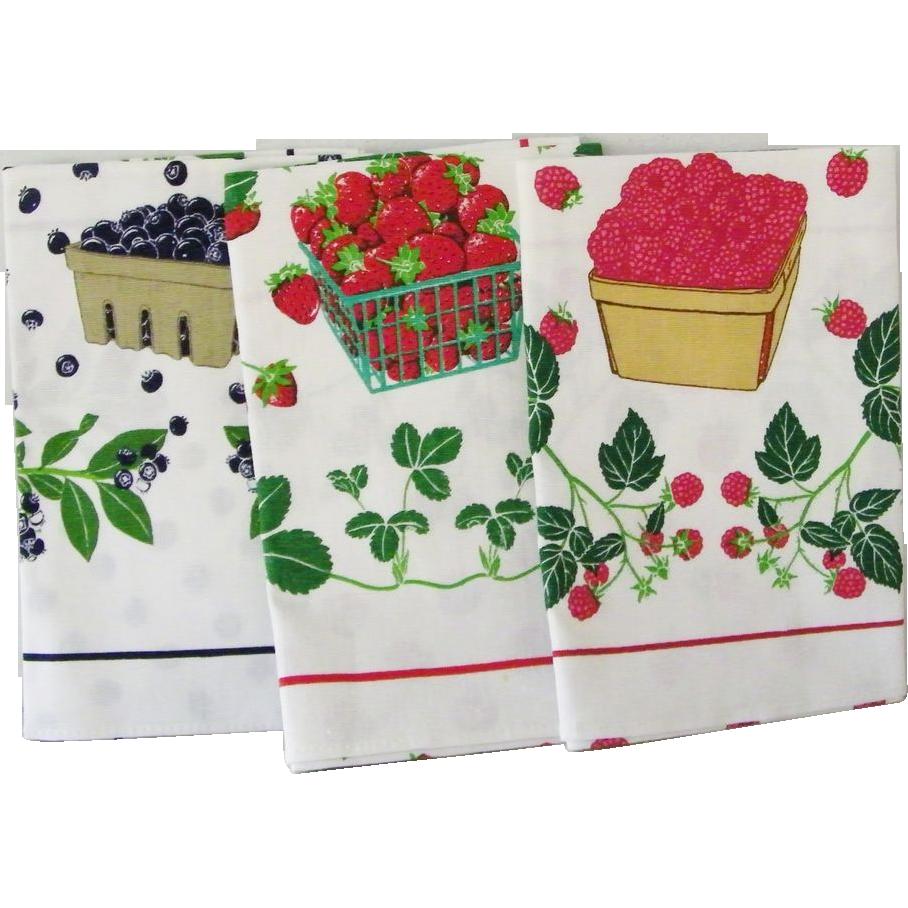 Three MINT Vintage Tea Towels Berries by Lillian Vernon 1984