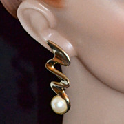 1970s Lightning Bolt Earrings w/ Faux Mabe Pearl