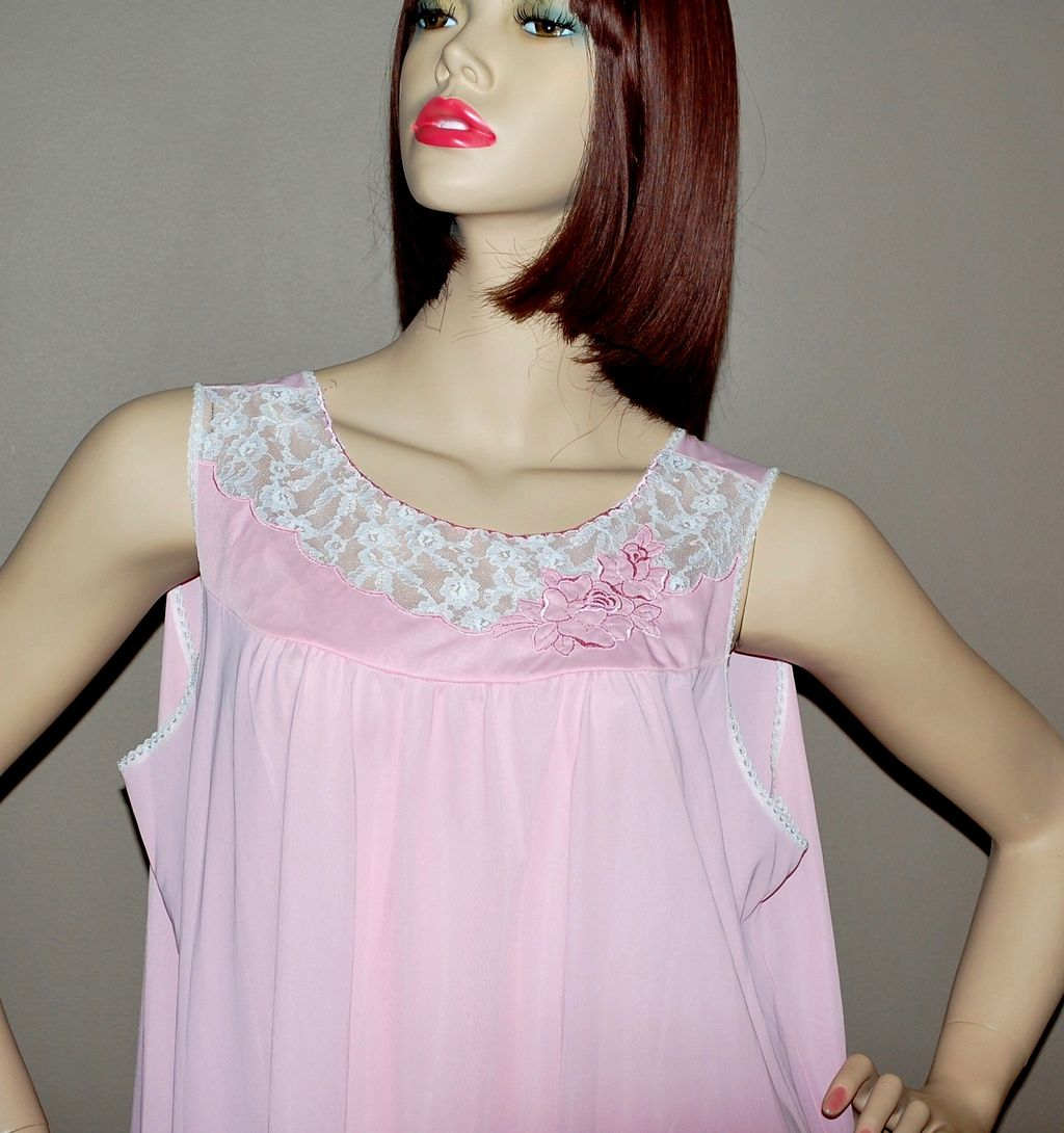 1960s Gossard Artemis ~ Powder Pink Nylon & Lace Maxi Nightgown