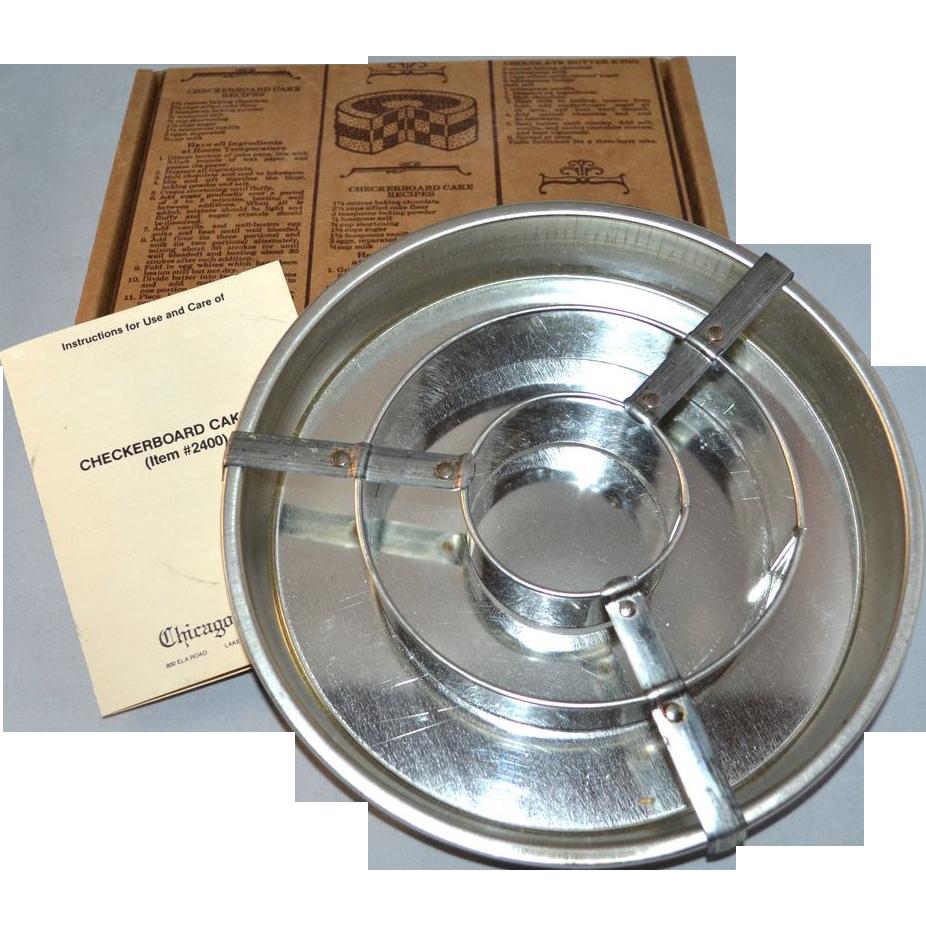 Chicago Metallic Checkerboard Cake Set w/ Original Box & Instructions