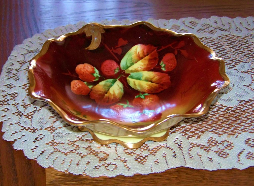"""Outstanding 1910 Julius H. Brauer Studio of Chicago Hand Painted """"Red Strawberries"""" 9-1/8"""" Pedestal Flared Fruit Bowl by Artist, """"Kammermayer"""""""