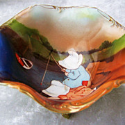 "Extra Nice Vintage 1900's Royal Bayreuth ""Sunbonnets Fishing"" 3 Footed Master Nut Bowl"