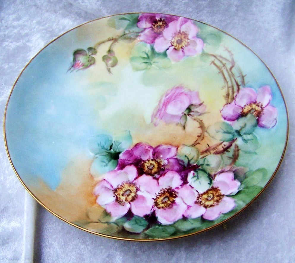 "Exquisite 1900's Limoges France Hand Painted Vibrant ""Red & Pink Wild Roses"" 9-1/2"" Plate"