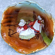 "Attractive Vintage 1900's Royal Bayreuth ""Sunbonnet's House Cleaning"" 3 Footed Master Nut Bowl"