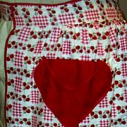 Vintage Valentine Apron With Red Heart Pocket Red Checked Ground With Red Roses... Like New