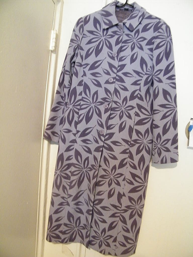 MAXI..  Printed Wool Coat Mauve With Stenciled Flowers..by Boden..Size 10