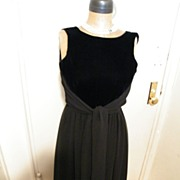 Vintage..Designer Dress..Velvet Bodice / Double layer Chiffon Skirt..Tie..Size 6..Excellent Condition