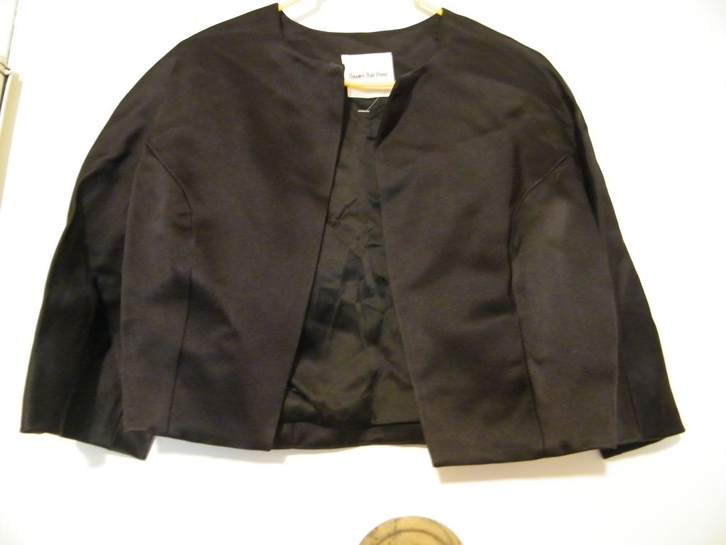 Designer..Cropped Jacket..Silk Satin..Black..Silk Lined..Shawn Ray Fons..