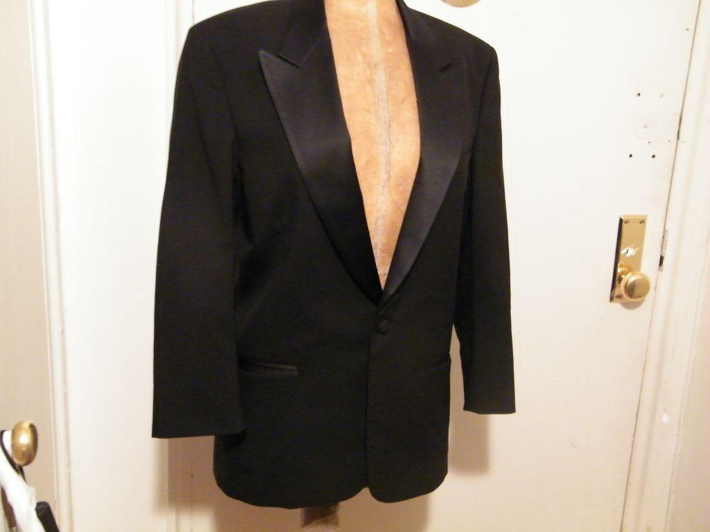 Vintage Mens Black Wool Tuxedo Jacket...LORD WEST, NY..Jeffrey Morton