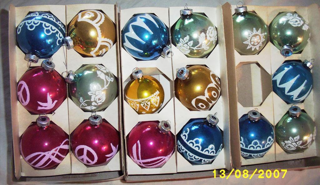 Item ID: ORNAMENTS-STENCILED-2226 In Shop Backroom
