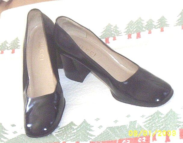 Designer..Shoes..GUCCI..Black Leather Heels Made In Italy..9-B