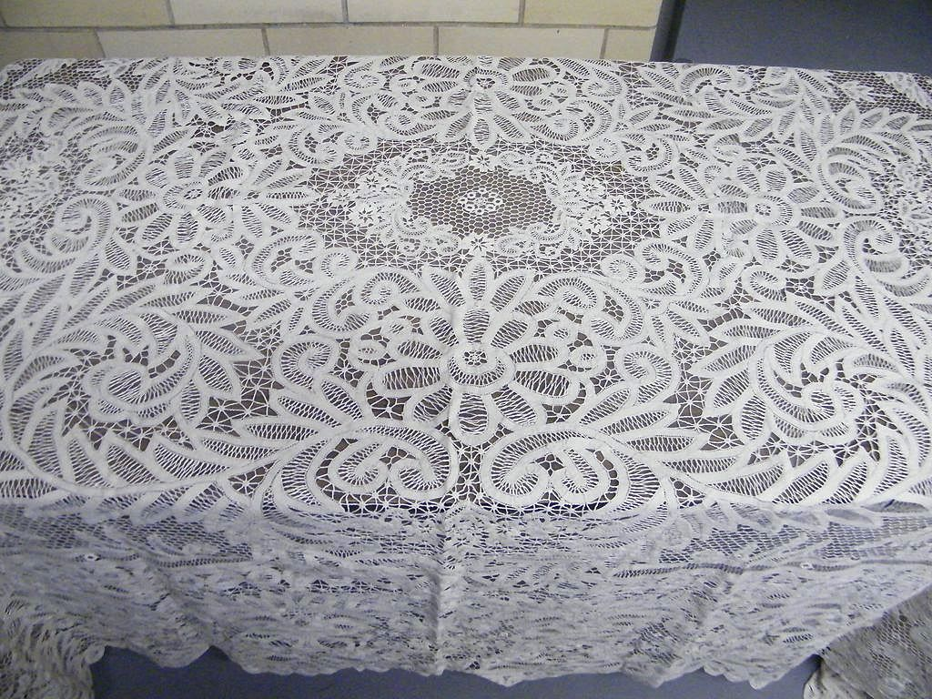 Vintage CANTU Lace All Linen Tablecloth..All Lace..Ecru..Hand Made..Large 90 X 105..Excellent Condition