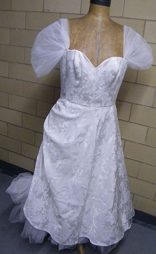 SNOW WHITE Long Brocade Wedding Gown With Tulle Trim..Excellent Condition