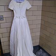 SOCIETY GIRL...Designer Wedding Gown..Organdy & Taffeta Lining..Applique Neck & Sleeves..Short Sleeves