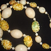 Chunky Plastic Lucite Beaded Necklace Smooth and Carved Beads