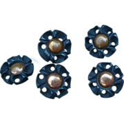 Bakeilte Flower Buttons Five