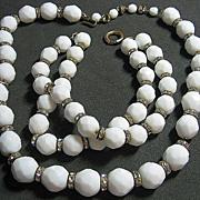 Vintage Milk Glass White Facetted & Rondel Beaded Necklace/Bracelet SET