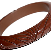 Deeply Carved Oval Chocolate Brown Bakelite Bracelet/Bangle