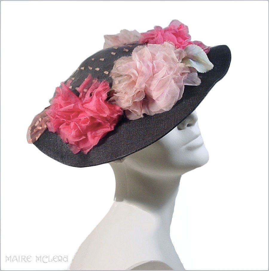 1930's Black Straw Skimmer Hat *Organdy Roses