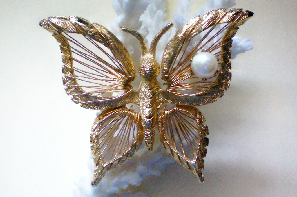 Signed Brooks Wire Woven Butterfly with faux Pearl